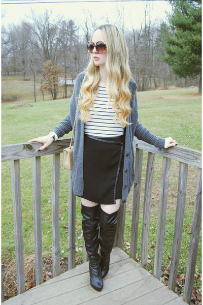 black Forever 21 boots - ivory Urban Outfitters shirt - tan Chanel bag