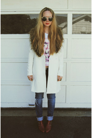 white gifted Sheinside jacket - brick red Jeffrey Campbell boots