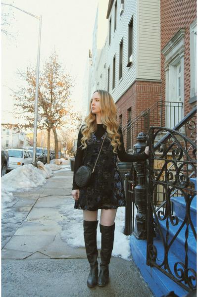 black shoemint boots - navy Lulus dress