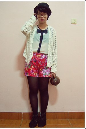 black boots - white knitted jacket - black tights - brown coconut shell bag - re
