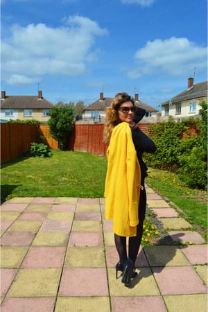 black Primark bag - yellow Sheinside coat - TK Maxx sunglasses