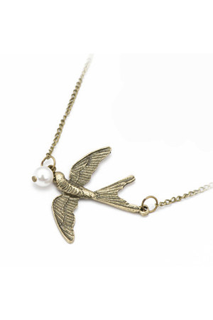 alloy Diamond Petal necklace