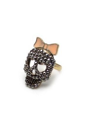 skull Diamond Petal ring