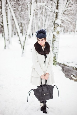 navy vintage no brand hat - ivory Bik Bok jacket - black phantom bag