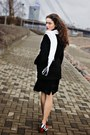 Black-silk-h-m-dress-black-wool-no-brand-coat-white-no-brand-scarf
