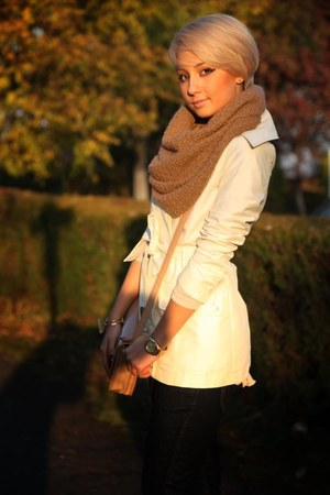 cream-colored Stradivarius cardigan