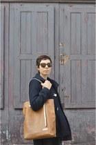 Pickpocket bag - Topshop coat - Persol sunglasses
