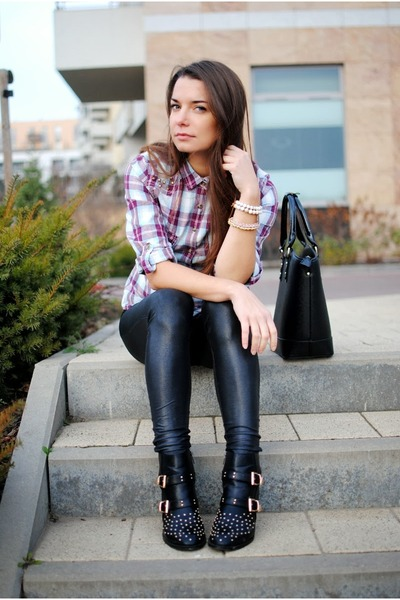 black studded Deichmann boots - puce Sinsay shirt - black Mango bag