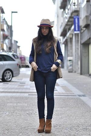 Parfois hat - Zara jeans - Zara jumper