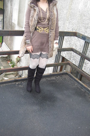 La Redoute boots - olive green vintage dress - dots Primark tights - Mango belt
