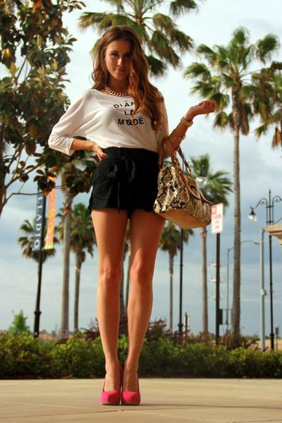 DIY t-shirt - snake print Jessica Simpson bag - dressy Jessica Simpson shorts
