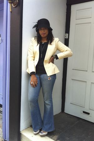 beige YSL blazer - black f21 shirt - black f21 hat - beige BCBG shoes