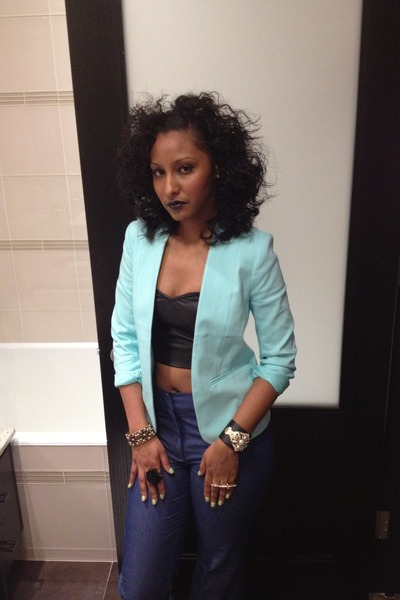 H&M blazer - Forever 21 ring - Forever 21 bracelet - Urban Outfitters top