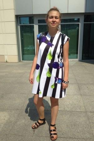 white dress dress - black Celine sandals