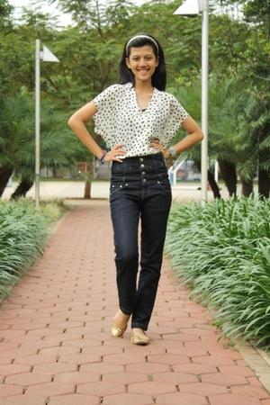 accessories - blouse - jeans - shoes