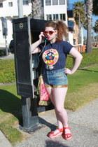 urban renewal Levi shorts - navy mickey epcot DisciplesOf t-shirt