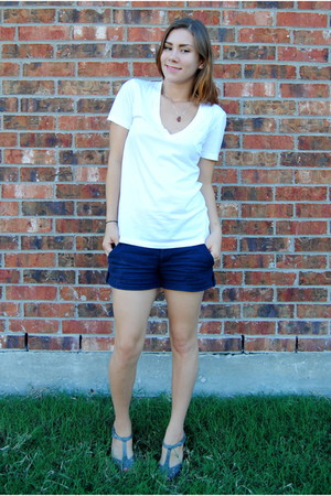 white Gap shirt - navy Forever 21 shorts - gray Old Navy shoes