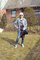gray vintage shirt - blue DrDenim jeans - black All star shoes - hm Divided t-sh