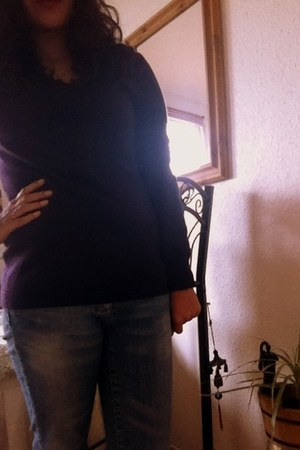 deep purple cashmere Uniqlo sweater - blue H&M jeans