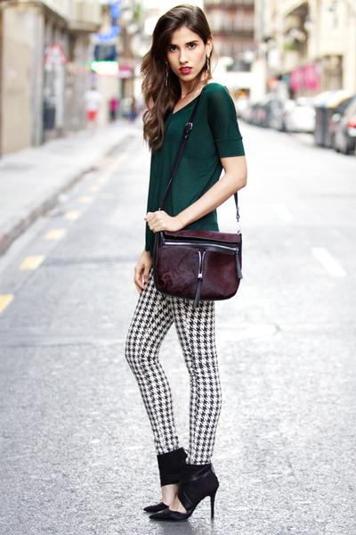 t-shirt - bag - pants