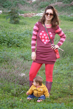 maroon next sweater