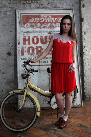red chiffon vintage DollsMaison dress - off white lace vintage Primark socks