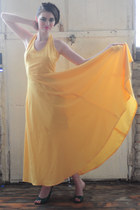 yellow maxi DollsMaison dress - green leather sandals DollsMaison heels