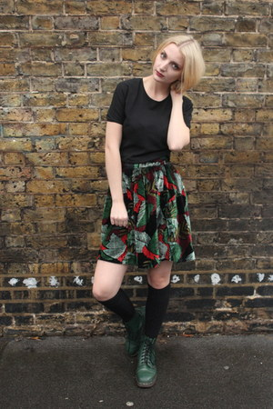 velvet skater DollsMaison skirt - dark green leather Dr Martens boots