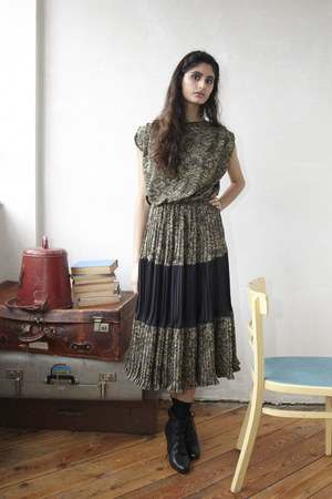 black lace up ankle Office boots - dark khaki midi DollsMaison dress