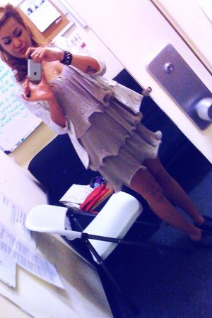 pleated H&M dress - f21 shoes - silver sequined f21 blazer