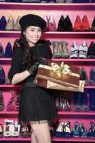 dark khaki SO Fab shoes - black H by Glicaros dress - black felt beret hat Sineq