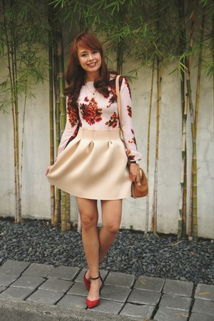nude Lola & Daisies skirt - neutral Fendi bag - maroon South Sartorial top