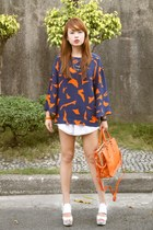 navy H&M top - carrot orange Prada bag