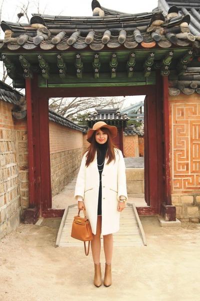 camel H&M boots - ivory Zara coat - camel Hermes bag - navy Sfera cape