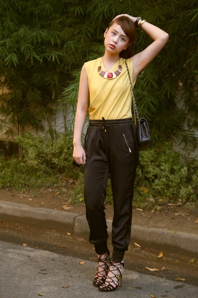 mustard Mango top - black Chanel bag - black Tomato pants