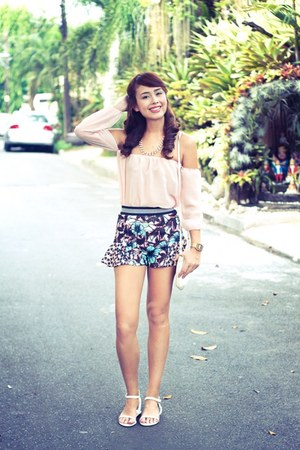 white Gucci bag - pink Zara shorts