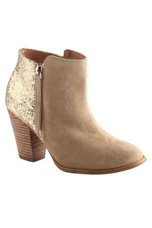 nude Aldo boots