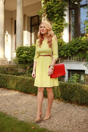 yellow random brand dress - camel Aldo shoes - red random brand bag