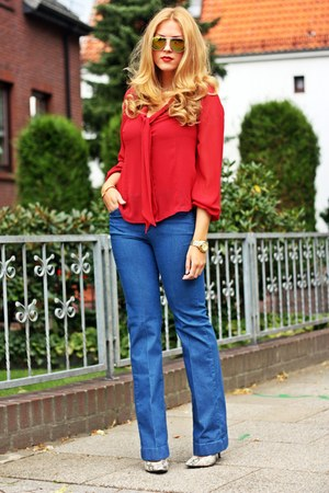 blue flared Esprit jeans - ruby red bow tie marie lund shirt