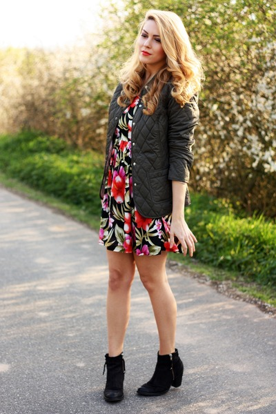 floral print ELB dress - black ankle Topshop boots