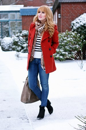 ruby red Peek&amp;Cloppenburg coat - navy skinny Zara jeans