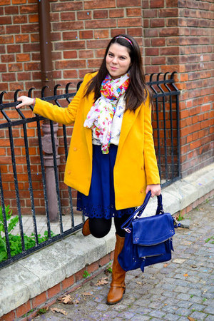 navy aupie skirt - yellow romwe coat