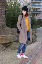 camel Zara coat - blue Lee jeans - gold acne sweater - black Zara bag