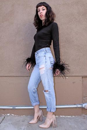 black ostrich feather vintage shirt - light blue 501s levis vintage jeans