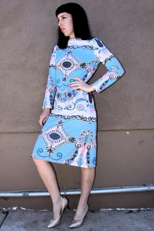 sky blue domani vintage dress - gold vintage heels
