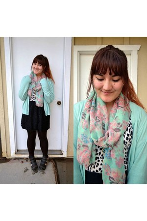 aquamarine floral print Shop Lately scarf