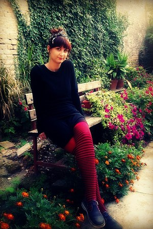 little black DIY dress - punk black n red tights - romantic jungla flats