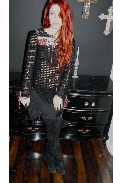 black boots - black skinny jeans H&M jeans - black crochet free people sweater -
