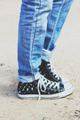 Levis-jeans-forever-21-shirt-herschels-bag-converse-sneakers