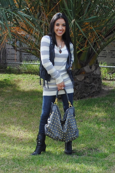 black Forever 21 boots - downtown la purse